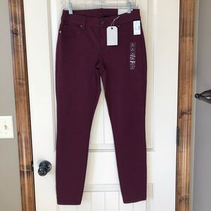 NWT plum colored jeggings